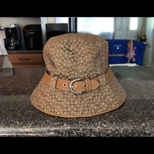 Coach Bucket Hat .